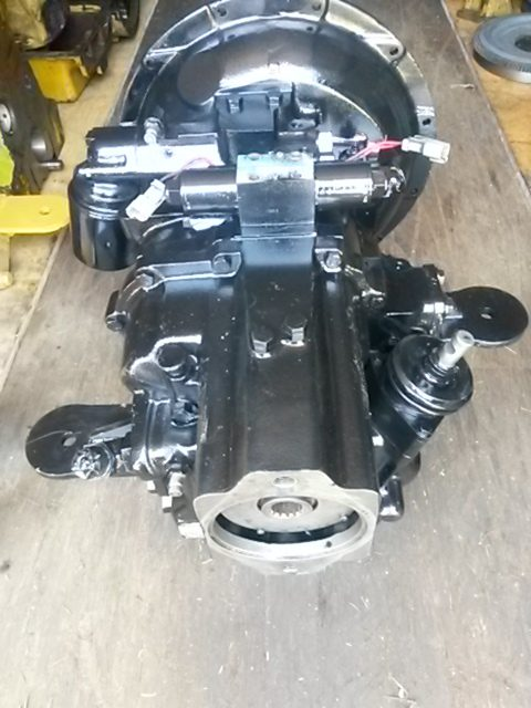 Transmission / Gearbox - 2x4 - CAT 424D | Hattcon Used Spares